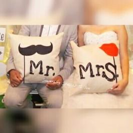 """""""Mr & Mrs"""" Cushion Set (1pair)"""