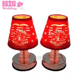 (1 pair) Wedding Lamp Couple Kiss