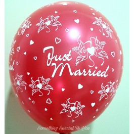 """""""Just Married"""" Round Balloon (12"""") Red"""